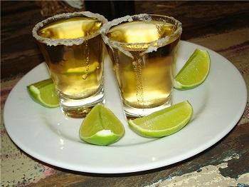 Почему текилу пьют с солью и лимоном