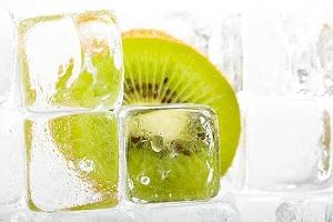 Кубики льда, сохраняющие молодость и красоту