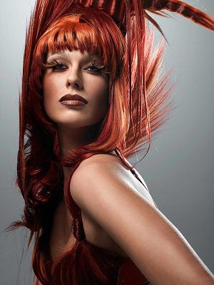 Покрасьте волосы в красный цвет