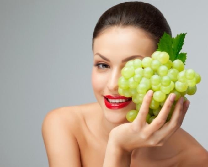 Рецепты красоты: виноградные маски и ванна