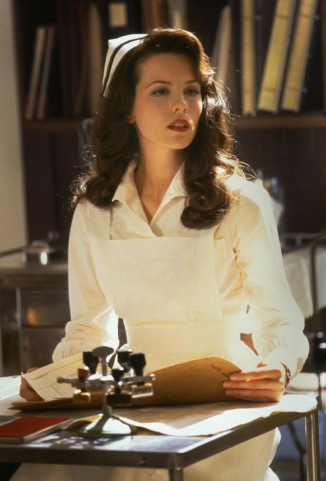 "Дженнифер Гарнер в роли Сандры, ""Перл Харбор"", 2001"