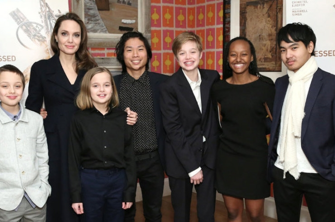 Анджелина Джоли может лишиться опеки над детьми